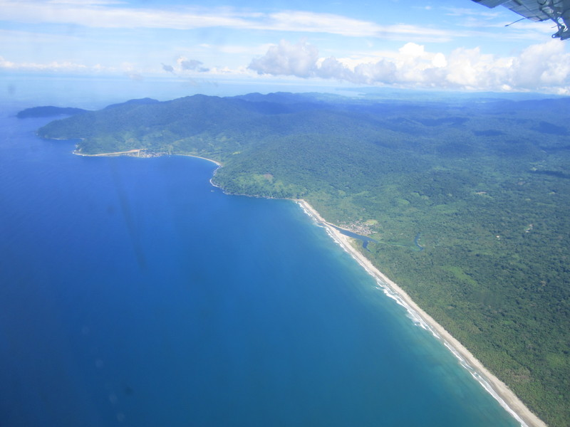 The jungle and the beach of the Darién