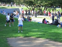 Mont Royal park—Elder juggler